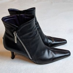 Donald J. Pliner Black Pointed Leather Booties - 6